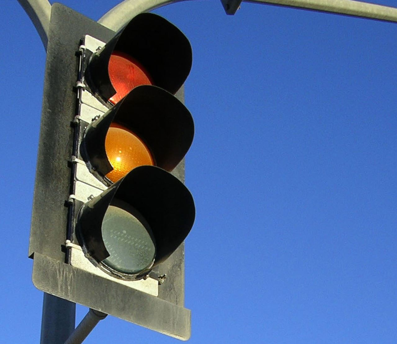 traffic-light-1446847-1279x1106